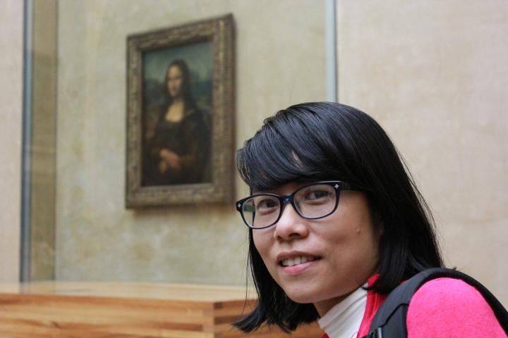 Chụp ảnh với nàng Monalisa