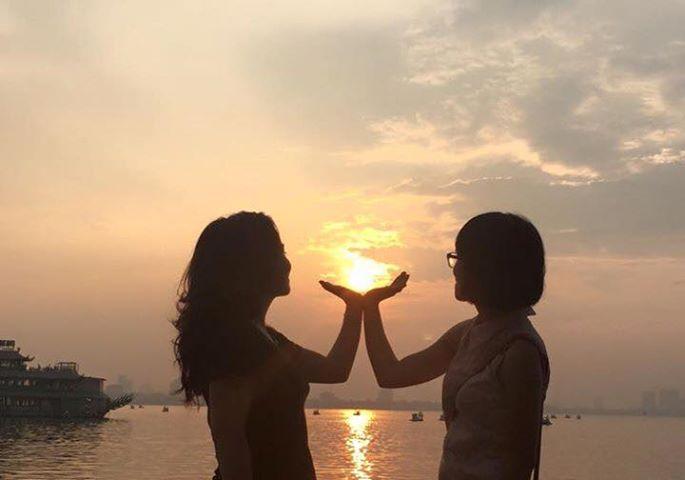 Yêu thương là bạn và tôi...
